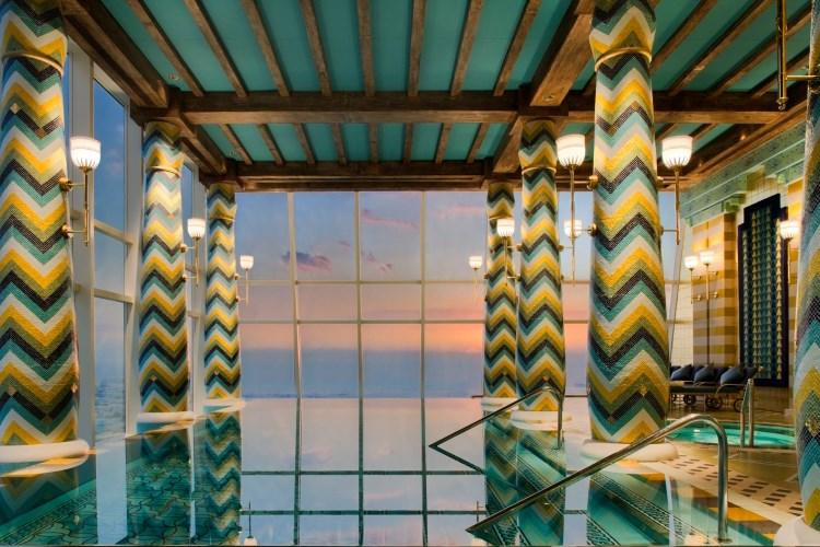 Piscine intérieure du Burj Al Arab