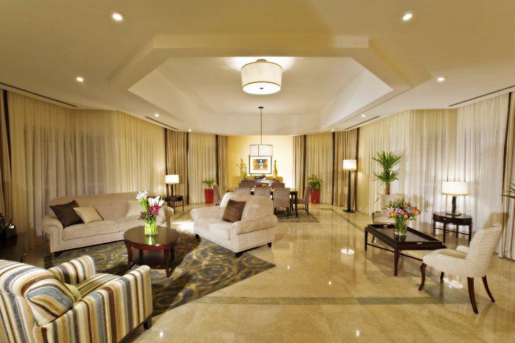 Salon d'une suite 3 chambres