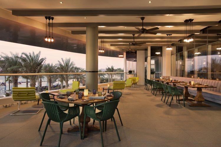 DoubleTree by Hilton Jumeirah Beach - Al Maeda - Terrasse