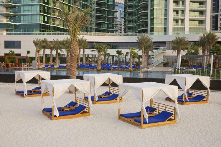 DoubleTree by Hilton Jumeirah Beach - Cabanas sur la plage