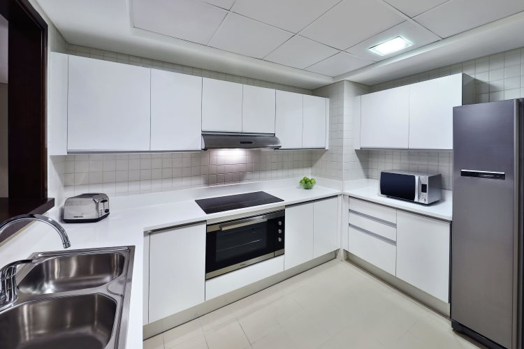 DoubleTree by Hilton Jumeirah Beach - Suite - Cuisine