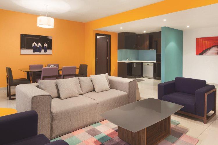 Hawthorn Suites by Wyndham Dubaï - Suite 2 chambres - Salon