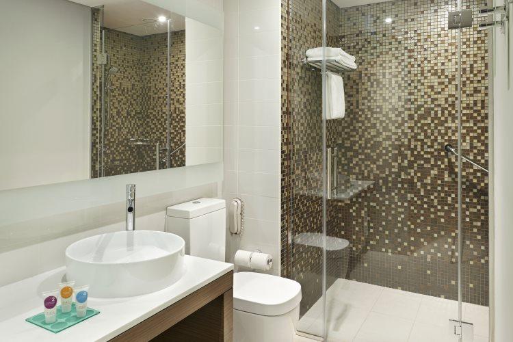 Hyatt Place Dubaï Al Rigga - Chambre Vue Piscine - Salle de bains