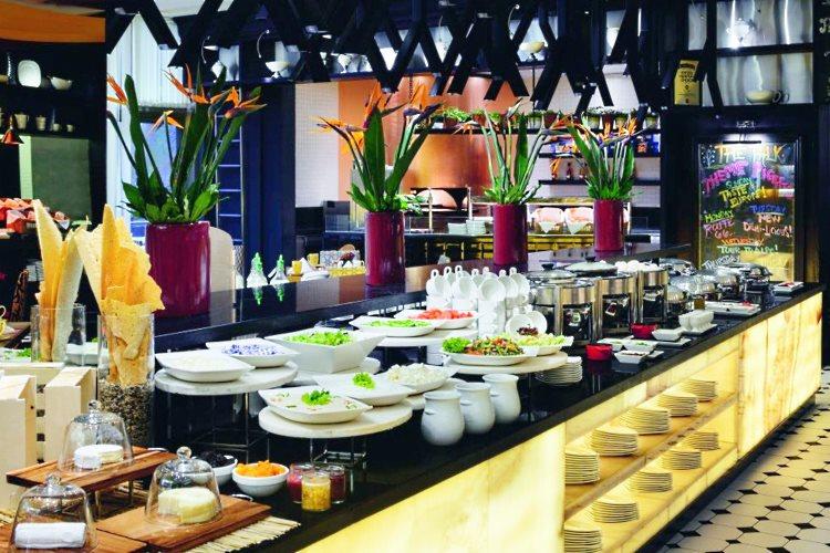 Restaurant Talk - Buffet Arabe