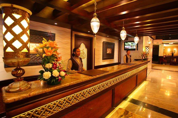 Arabian Courtyard - Lobby