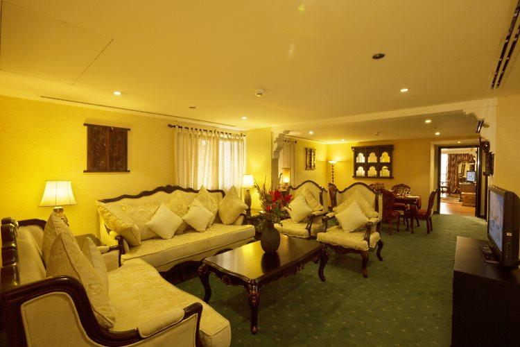 Arabian Courtyard - Suite - Salon
