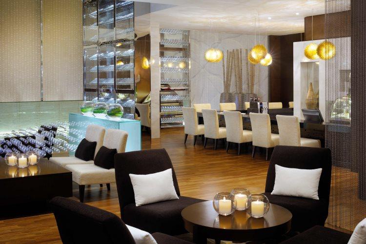 Oasis Lobby Lounge