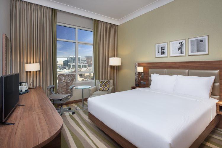 Hilton Garden Inn Al Muraqabat - Chambre King