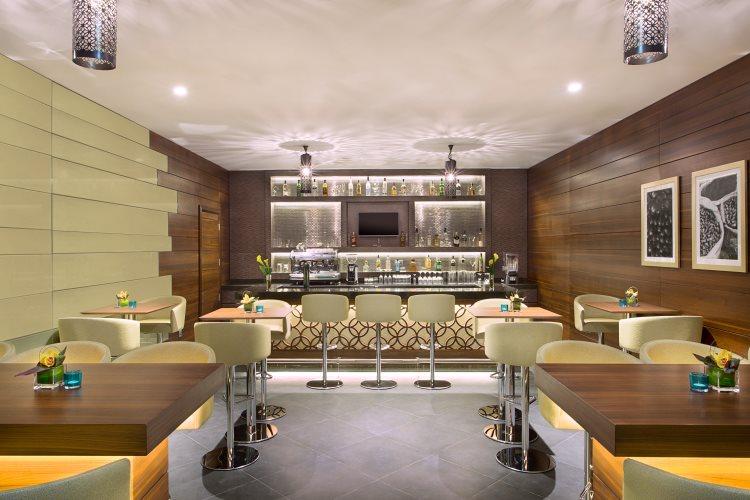 Hilton Garden Inn Al Muraqabat - The Garden Bar