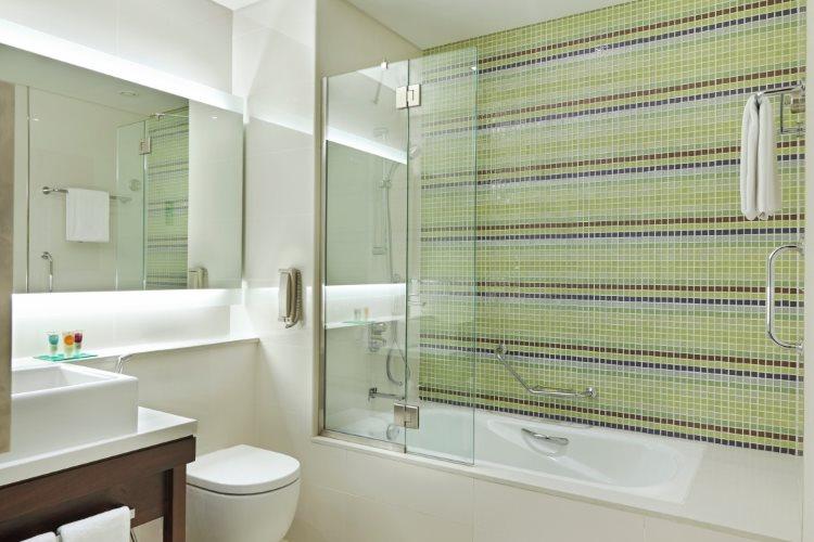 Hyatt Place Baniyas Square - Chambre - Salle de bains