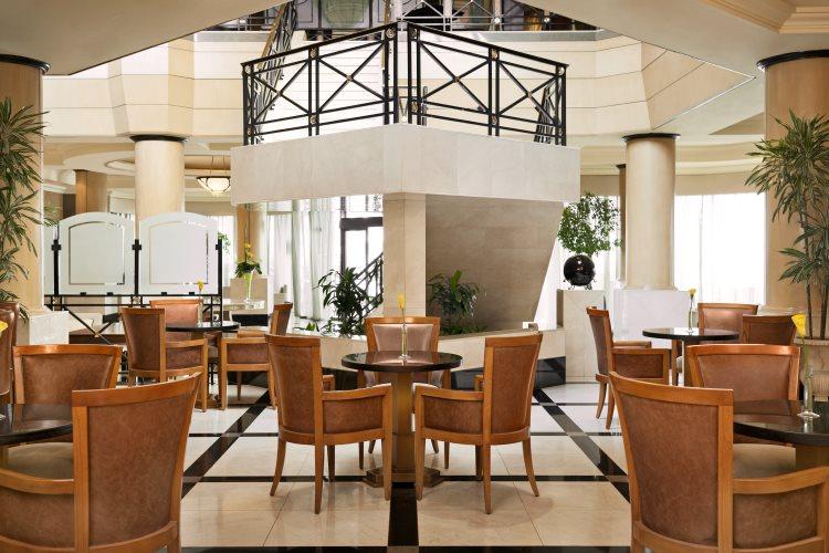 Le Méridien Fairway - Lobby Bar