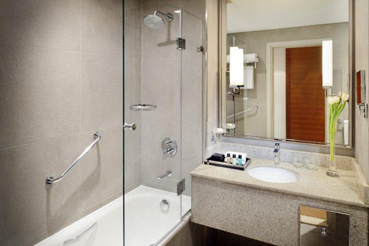 Mövenpick Hôtel Bur Dubaï - Chambre Exécutive - Salle de bains