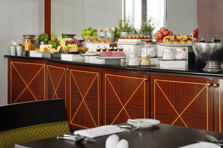 Mövenpick Hôtel Bur Dubaï - Exécutive Lounge - Buffet