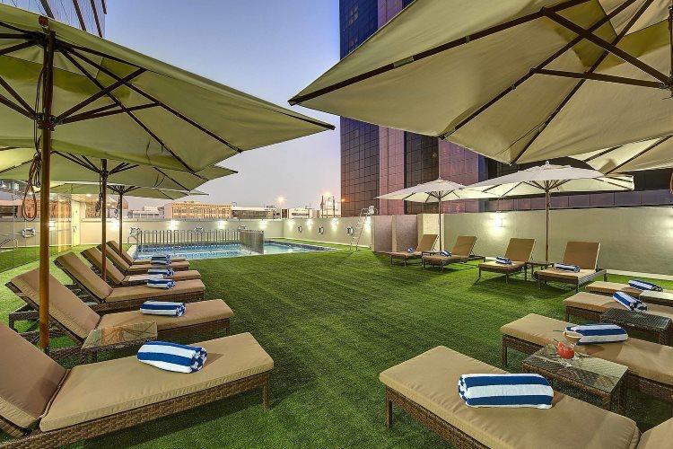 Royal Continental Dubaï - Piscine