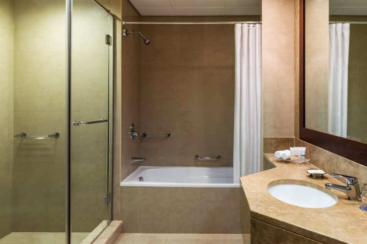 Four Points by Sheraton Sheikh Zayed Road - Appartement 3 Chambres - Salle de bains