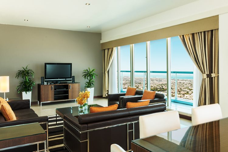 Four Points by Sheraton Sheikh Zayed Road - Appartement 3 chambres - Salon