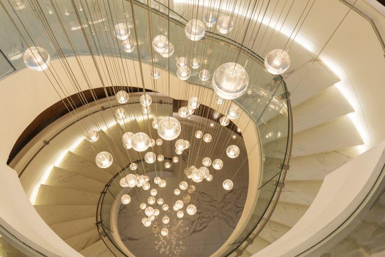 Sheraton Grand Hôtel Dubaï - Grand escalier