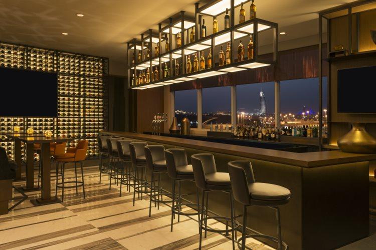 Sheraton Mall of Emirates - Vantage bar